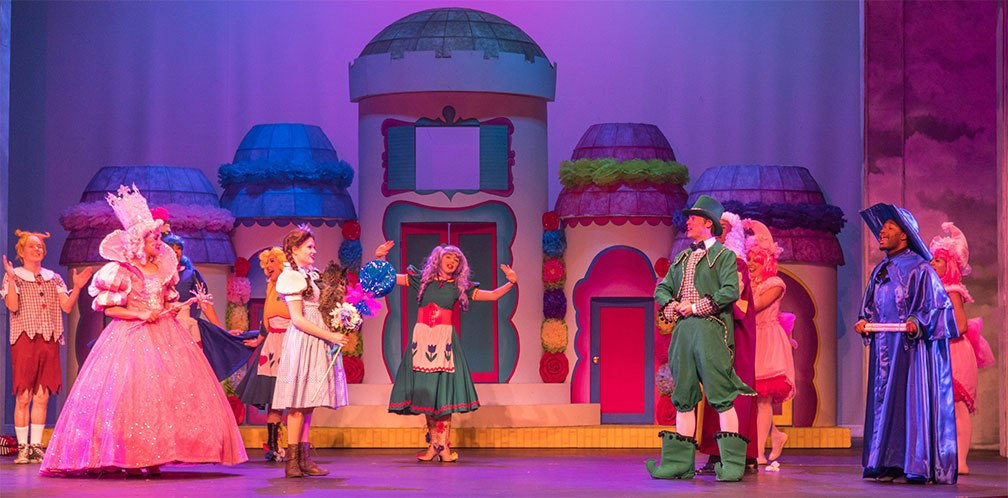 Palace Theater In The Dells Wizard Of Oz Cast
